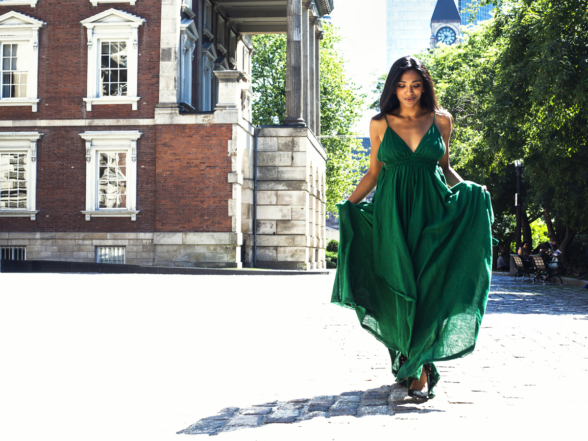 Green dress gives more classic looks