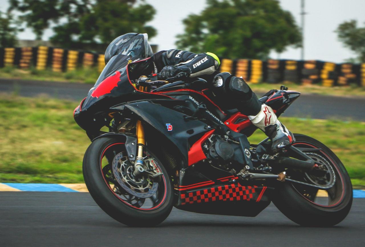 Circuiti italiani, non solo per moto. Corri.. in pista!